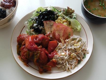 ミートボールと野菜のケチャップ煮