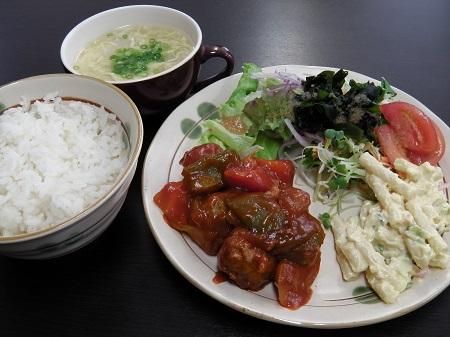 肉団子と野菜の酢豚風