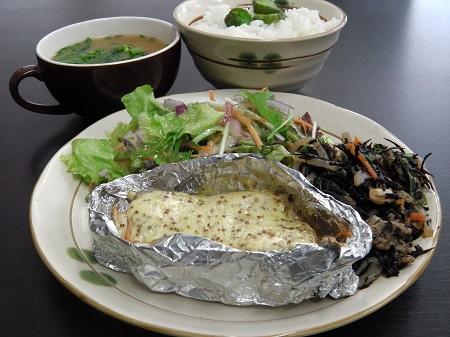和定食(鮭のマスタード焼き)