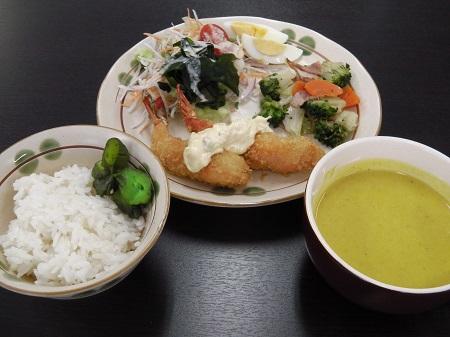 洋定食(エビフライ)