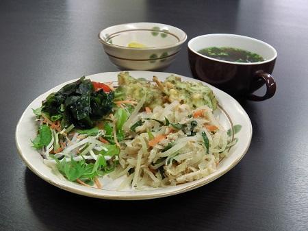 沖縄定食(パパイヤ炒め)